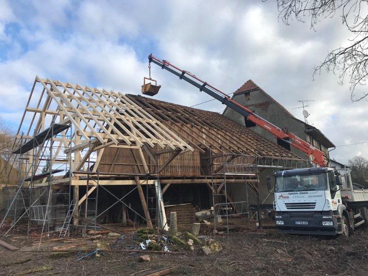 At Couverture Camion grue At Couverture pour chantier toiture, couverture, charpente à Pulversheim près de 68 Mulhouse