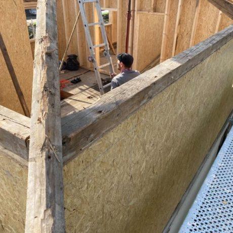 Chantier leymen dépose de la couverture et de la charpente rajout d'un étage en ossature bois repose de l'ancienne charpente + nouvelle couverture